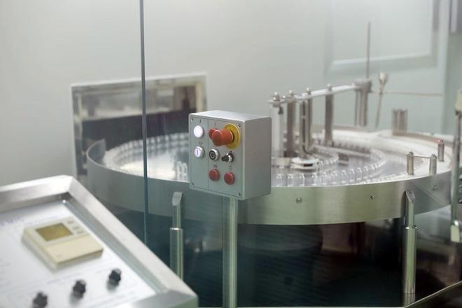 Cận cảnh quy trình gia công vắc xin Sputnik V tại Việt Nam ảnh 1
