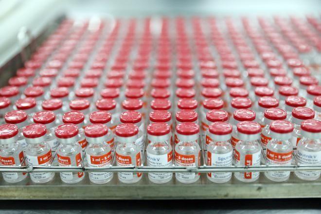 Cận cảnh quy trình gia công vắc xin Sputnik V tại Việt Nam ảnh 9