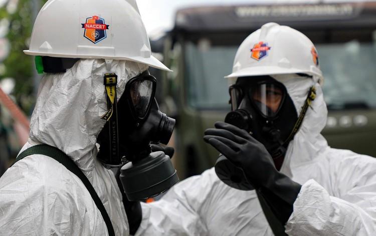 Quân đội bắt đầu 7 ngày phun khử khuẩn toàn TP.HCM ảnh 10