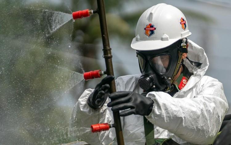 Quân đội bắt đầu 7 ngày phun khử khuẩn toàn TP.HCM ảnh 8