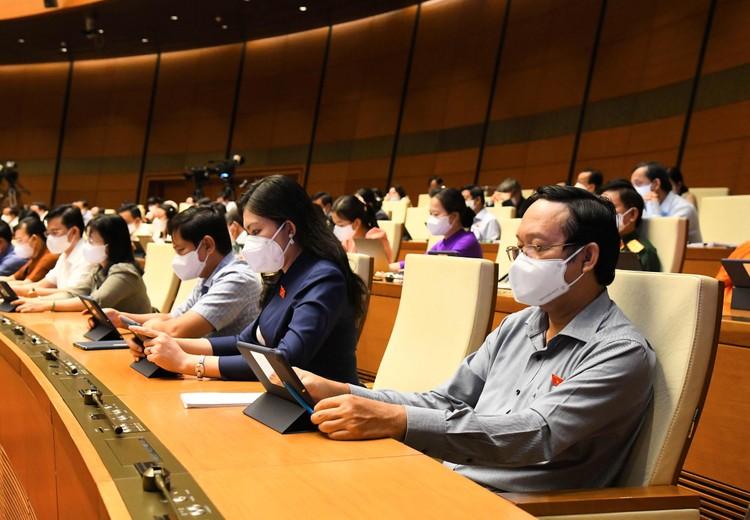 Ngày 25/7, Quốc hội tiếp tục làm việc và thảo luận về tình hình kinh tế - xã hội ảnh 1