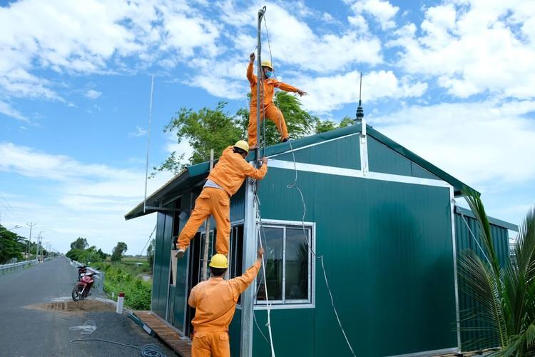 EVNSPC: Tăng cường hướng dẫn phòng tránh tai nạn điện mùa mưa bão ảnh 3