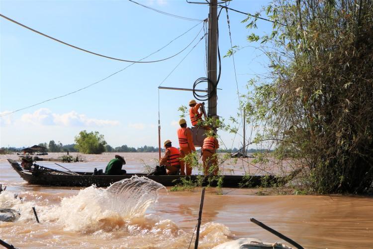 EVNSPC: Tăng cường hướng dẫn phòng tránh tai nạn điện mùa mưa bão ảnh 2