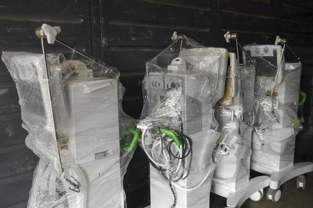 Sáng 1/8, tàu chở 10 tấn thiết bị y tế khởi hành từ Hà Nội vào TP.HCM ảnh 1