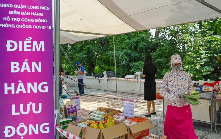 Siêu thị lưu động ngoài trời đầu tiên ở Hà Nội ảnh 1