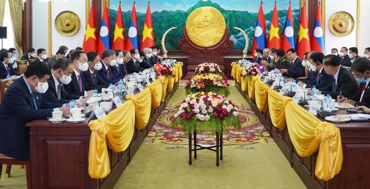Lễ đón trọng thể Chủ tịch nước Nguyễn Xuân Phúc thăm hữu nghị chính thức Lào ảnh 2