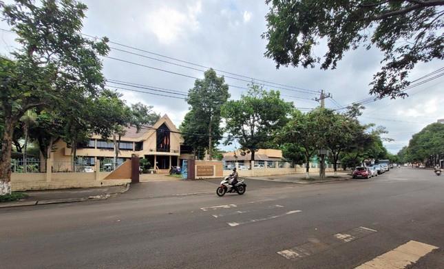 Cận cảnh loạt trụ sở 'đất vàng' được bán đấu giá ở Đắk Lắk ảnh 2
