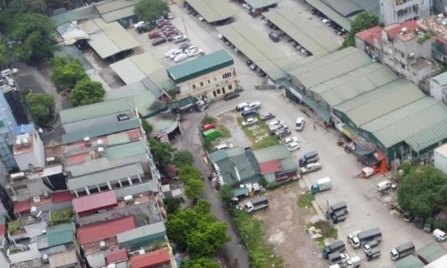 Hà Nội: Kiểm điểm trách nhiệm dự án bãi đỗ xe 'treo' hơn chục năm, bãi xe tạm bát nháo ảnh 1