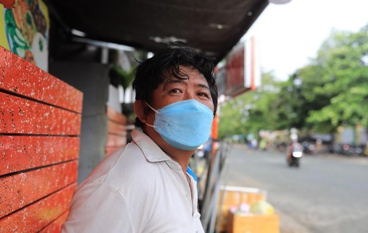 Người dân TP.HCM tiêm vaccine Sinopharm ảnh 8