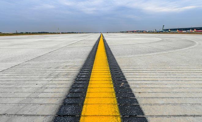 Dự án đường băng sân bay Nội Bài thi công theo lệnh khẩn cấp sắp vận hành ảnh 1