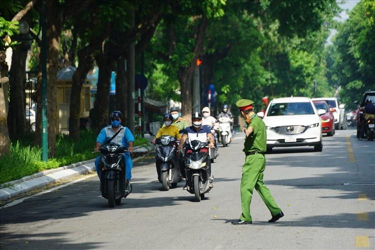 Tổ công tác đặc biệt xử lý nhiều người ra đường không có lý do cấp thiết ảnh 1