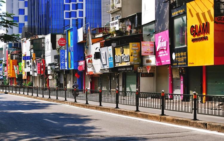 Quảng trường, các nút giao ở Hà Nội trong ngày giãn cách ảnh 13