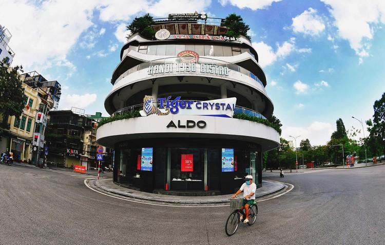 Quảng trường, các nút giao ở Hà Nội trong ngày giãn cách ảnh 2