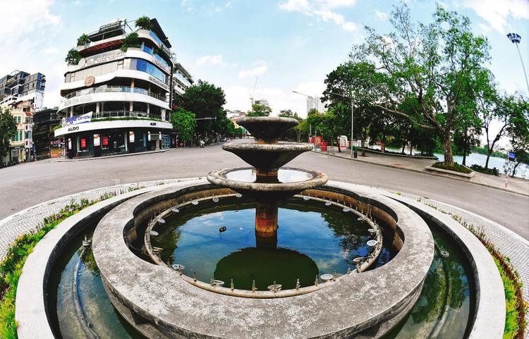 Quảng trường, các nút giao ở Hà Nội trong ngày giãn cách ảnh 3