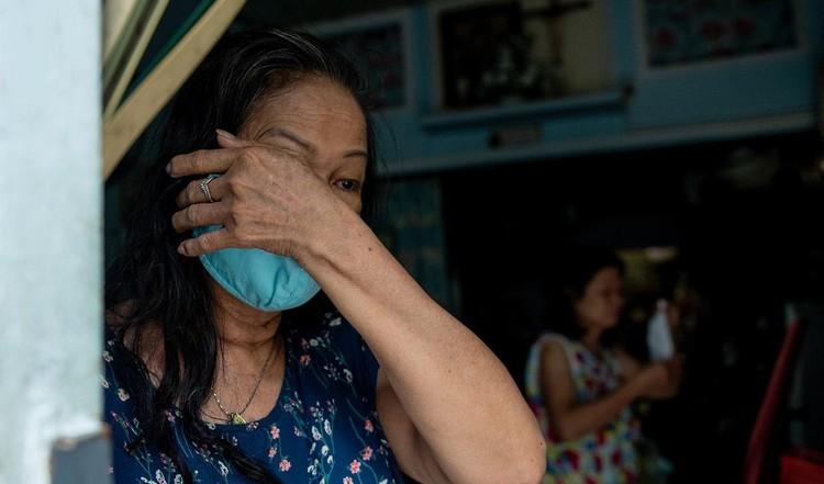 Hàng trăm hộ dân ở vùng vàng quận Phú Nhuận nhận túi quà an sinh ảnh 2