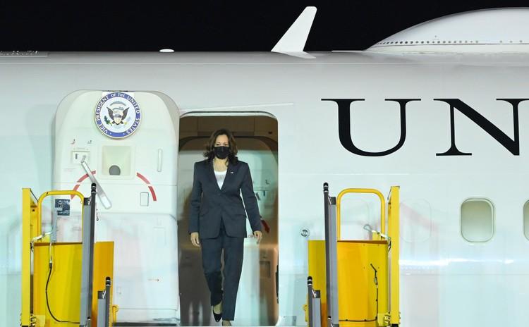 Không lực 2 đưa Phó Tổng thống Mỹ tới Hà Nội thăm chính thức Việt Nam ảnh 6