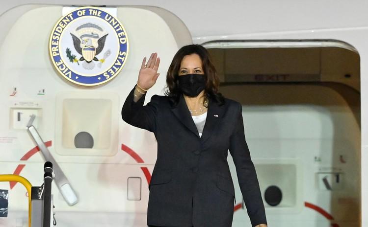 Không lực 2 đưa Phó Tổng thống Mỹ tới Hà Nội thăm chính thức Việt Nam ảnh 7