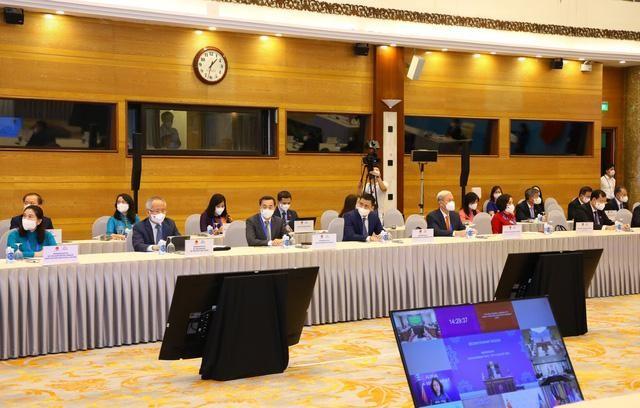 Đại hội đồng AIPA 42: Chủ tịch Quốc hội Vương Đình Huệ ký Thông cáo chung tại Phiên toàn thể thứ hai ảnh 2