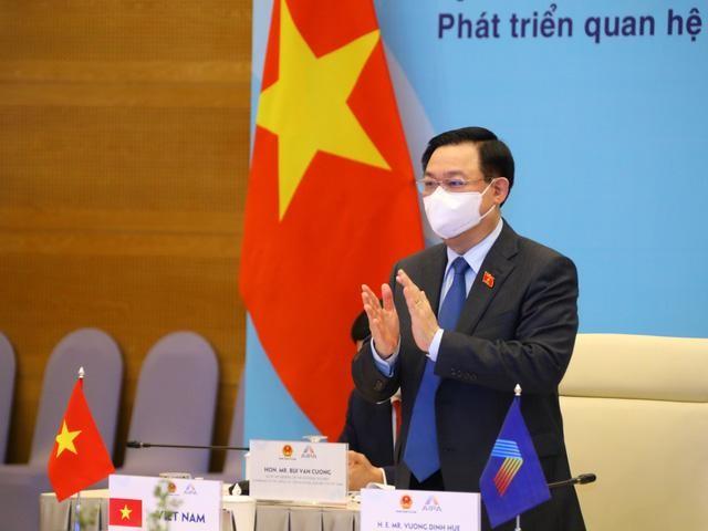 Đại hội đồng AIPA 42: Chủ tịch Quốc hội Vương Đình Huệ ký Thông cáo chung tại Phiên toàn thể thứ hai ảnh 4