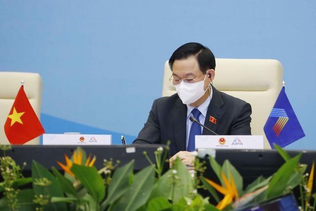 Đại hội đồng AIPA 42: Chủ tịch Quốc hội Vương Đình Huệ ký Thông cáo chung tại Phiên toàn thể thứ hai ảnh 7