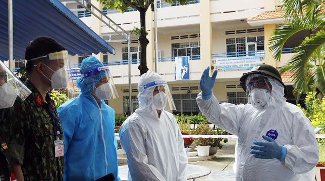 Thủ tướng Phạm Minh Chính kiểm tra công tác chống dịch tại TP.HCM ảnh 1