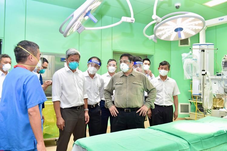 Thủ tướng Phạm Minh Chính kiểm tra, chỉ đạo, động viên công tác chống dịch tại Bình Dương ảnh 1