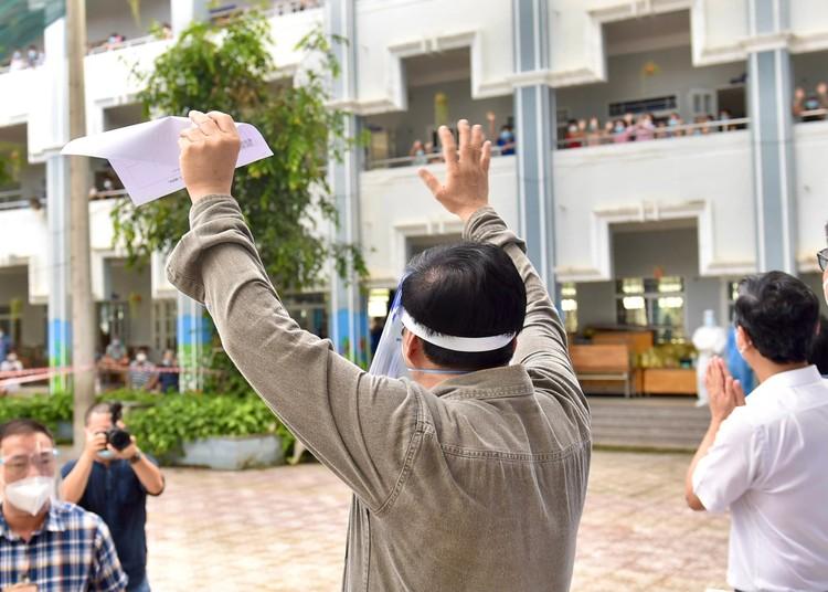 Thủ tướng Phạm Minh Chính kiểm tra, chỉ đạo, động viên công tác chống dịch tại Bình Dương ảnh 4