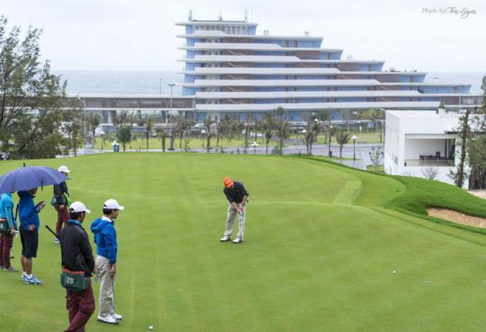 Chưa đầy 2 năm, Cục phó Cục thuế chơi golf giữa lệnh cấm đã 3 lần bị kỷ luật ảnh 2