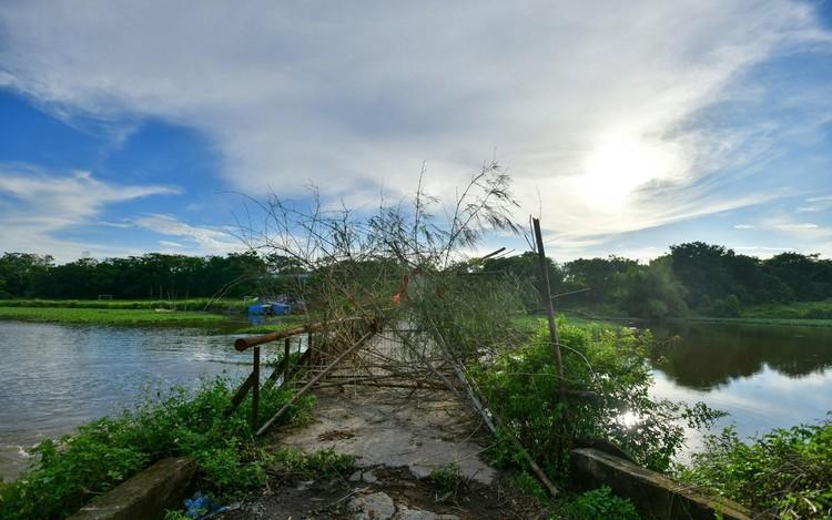 30 chốt chặn cứng ngăn người dân vào vùng dịch ở Hà Nội ảnh 10
