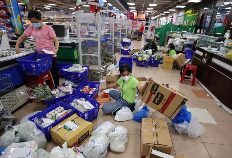 Người dân ở vùng xanh TP.HCM nóng lòng chờ hướng dẫn đi chợ ảnh 2