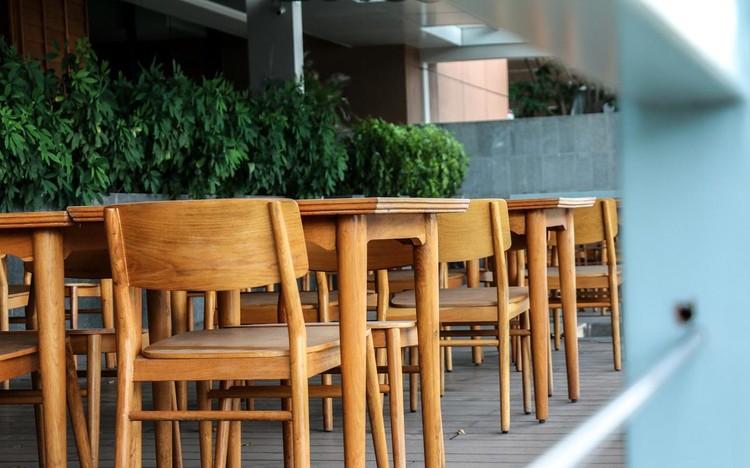 Hàng quán Nha Trang vẫn đóng cửa sau nới lỏng giãn cách ảnh 2