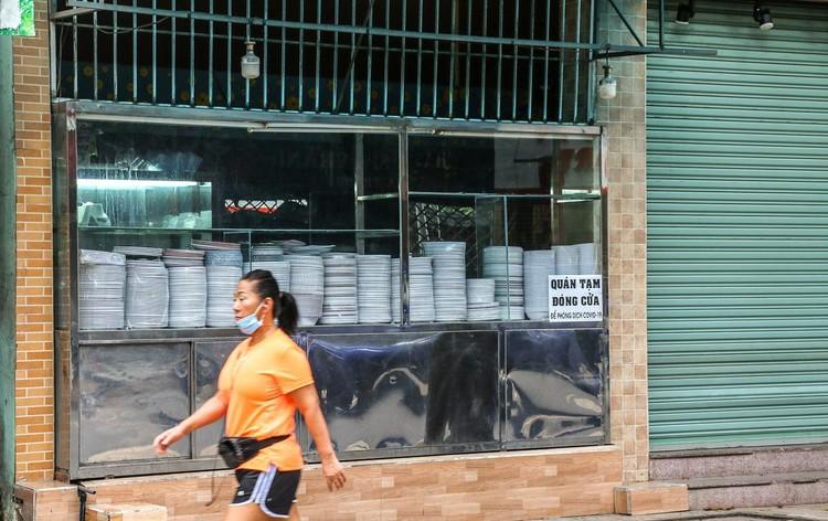 Hàng quán Nha Trang vẫn đóng cửa sau nới lỏng giãn cách ảnh 7