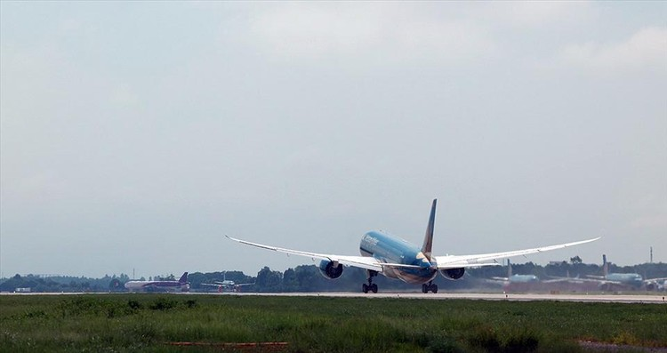 Đường băng 1B sân bay Nội Bài chính thức đi vào hoạt động ảnh 6