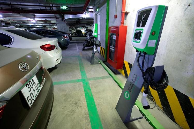 Lắp trạm sạc xe điện tại chung cư: Giải pháp tăng tiện ích cho dự án bất động sản ảnh 2