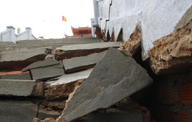Đài tưởng niệm liệt sĩ ở Đắk Lắk nứt toác sau mưa lớn ảnh 3