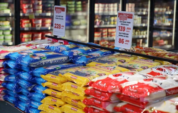 Ngày đầu người dân Quận 7 đi siêu thị theo phiếu ảnh 12