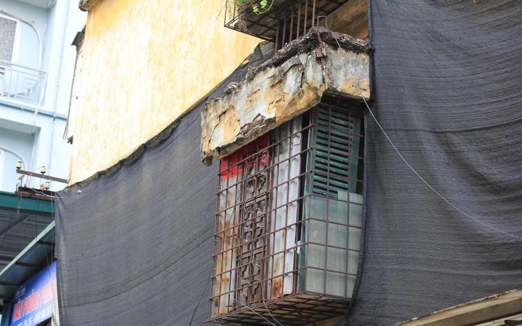 Cận cảnh 4 khu chung cư nguy hiểm cấp D ở Hà Nội sắp được cải tạo ảnh 9