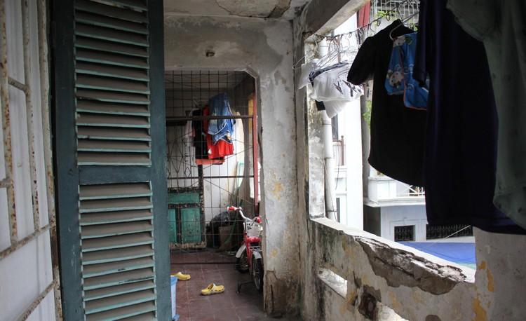 Cận cảnh 4 khu chung cư nguy hiểm cấp D ở Hà Nội sắp được cải tạo ảnh 11