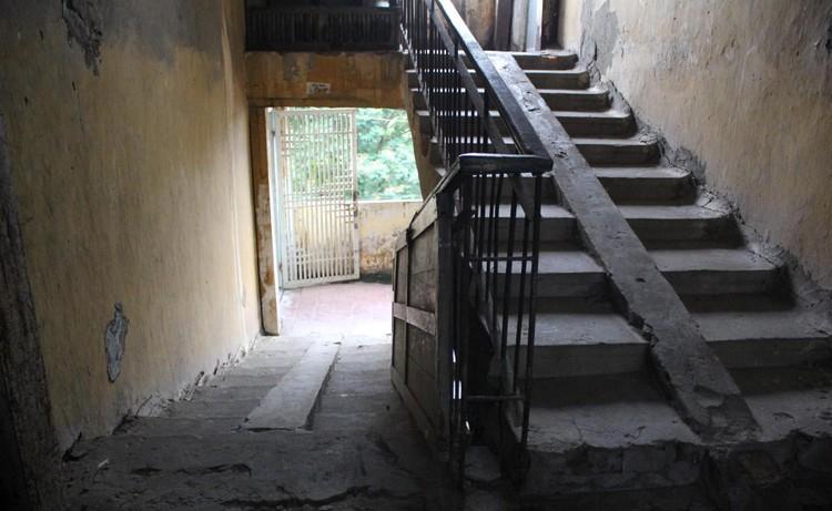 Cận cảnh 4 khu chung cư nguy hiểm cấp D ở Hà Nội sắp được cải tạo ảnh 12