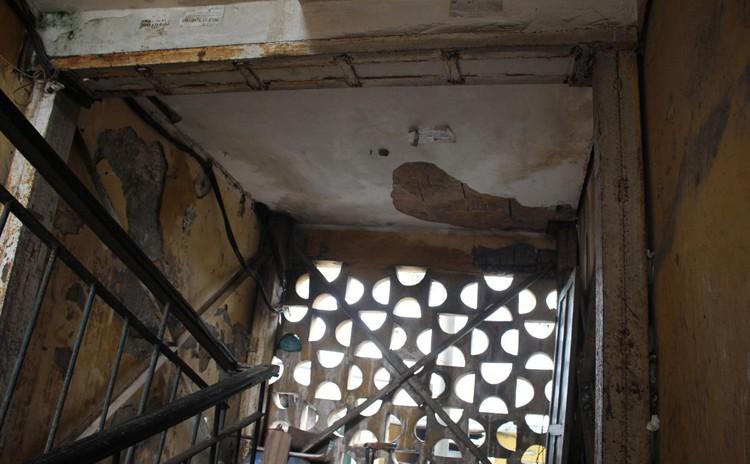Cận cảnh 4 khu chung cư nguy hiểm cấp D ở Hà Nội sắp được cải tạo ảnh 14