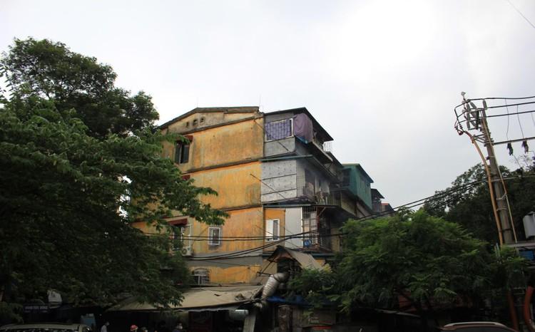 Cận cảnh 4 khu chung cư nguy hiểm cấp D ở Hà Nội sắp được cải tạo ảnh 18