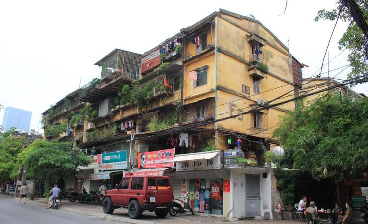 Cận cảnh 4 khu chung cư nguy hiểm cấp D ở Hà Nội sắp được cải tạo ảnh 1