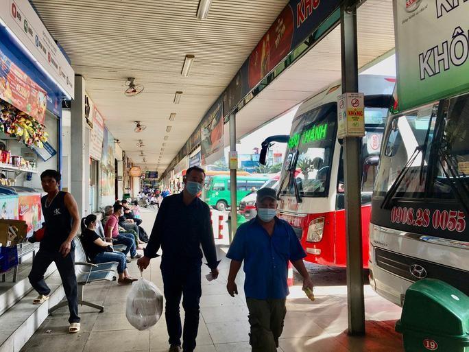 TP.HCM: Đề xuất cho xe buýt, taxi, ôtô công nghệ hoạt động lại từ 1/10 ảnh 2