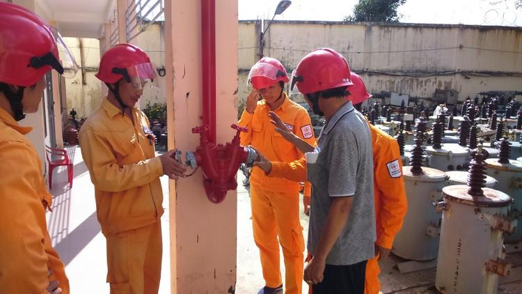 EVNSPC: Bảo đảm an toàn phòng cháy chữa cháy trong bối cảnh dịch bệnh Covid-19 ảnh 3