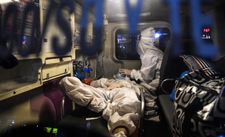 Cận cảnh quá trình di chuyển 1.000 bệnh nhân rời ổ dịch Bệnh viện Việt Đức ảnh 6