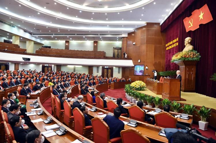 Tổng Bí thư Nguyễn Phú Trọng: Chúng ta đã bình tĩnh, tỉnh táo xử lý kịp thời, đúng đắn những vấn đề khó, chưa có tiền lệ, mới phát sinh ảnh 2