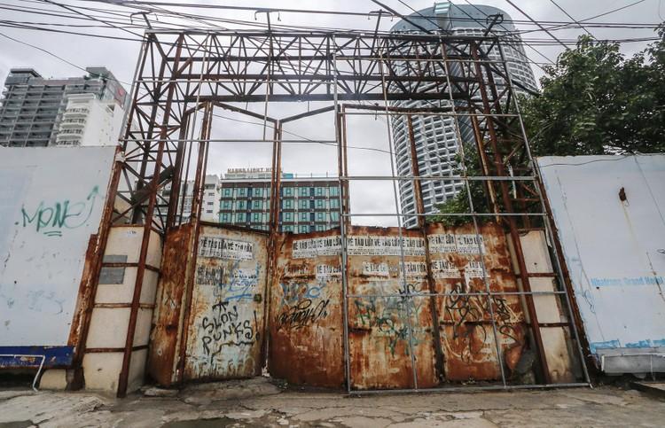Hàng loạt khu 'đất vàng' bị bỏ hoang ở Nha Trang ảnh 3
