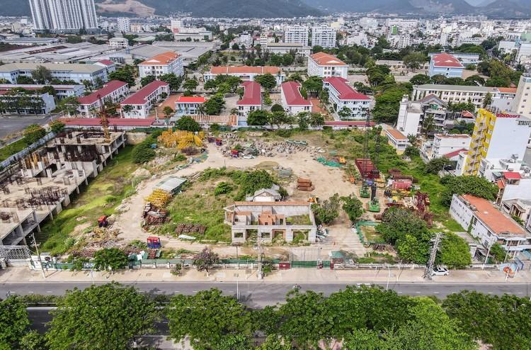 Hàng loạt khu 'đất vàng' bị bỏ hoang ở Nha Trang ảnh 6