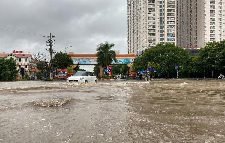 Thiên đường Bảo Sơn bị ngập nhiều giờ sau trận mưa lớn ảnh 1