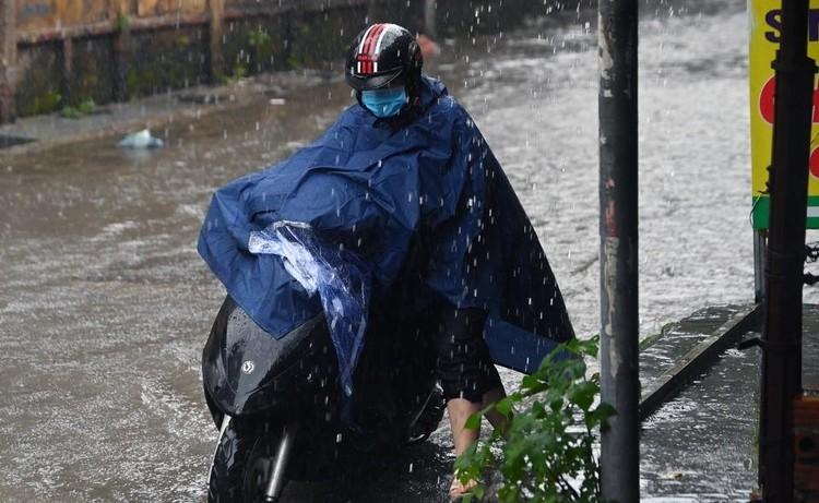 Thiên đường Bảo Sơn bị ngập nhiều giờ sau trận mưa lớn ảnh 11